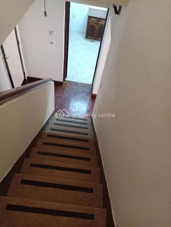 4 Bedroom Maisonette Master Ensuite with Dsq in Kilimani., Kilimani Manelik Road, Kilimani, Nairobi, House for Sale