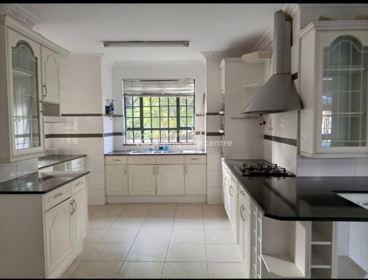 Luxurious 4 Bedroom House with a Pool Plus 2dsq on Half Acre in Runda, Runda, Runda, Westlands, Nairobi, House for Sale