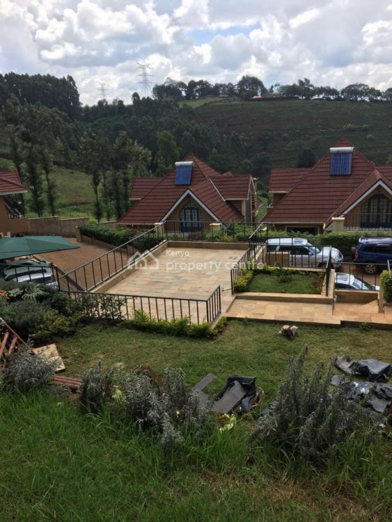 Exquisite 4 Bedroom Townhouse with Sq and Garage in Redhill., Redhill, Nairobi Central, Nairobi, House for Sale