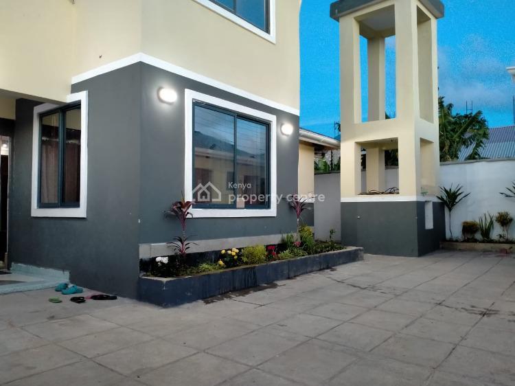 Magnificent 5 Bedroom Masionette, Majaoni Utange Near Joho School, Bamburi, Mombasa, Semi-detached Duplex for Sale