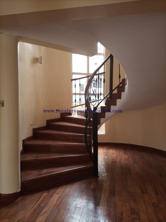 5 Bedroom House, Lavington, Nairobi, Detached Duplex for Rent