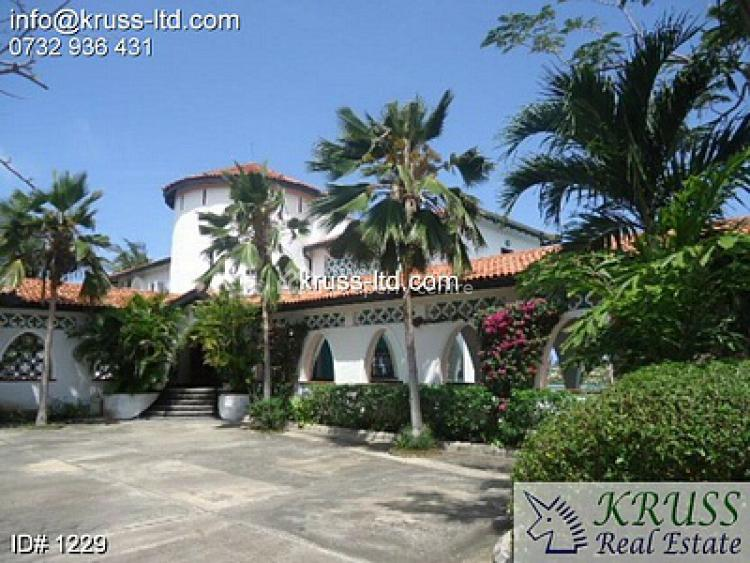 4br Beach Villa House with 2br Guest Wing in Nyali. Hr15 -1229, Nyali, Mombasa, House for Rent