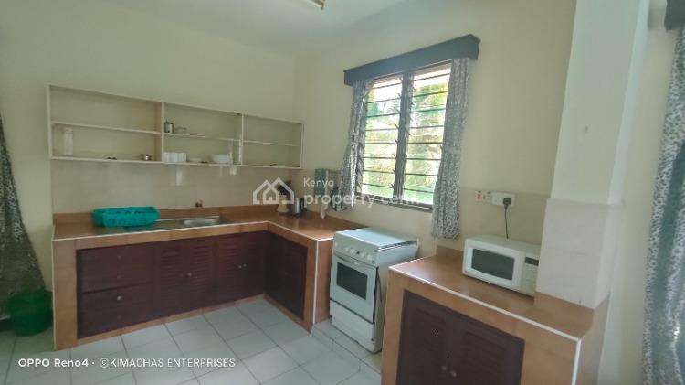 Luxurious 2 Bedroom Fully Furnished Apartment with Swimming Pool, Links Road, Nyalenda a, Kisumu, Apartment for Rent