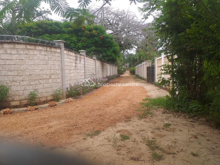 2 Bedroom House in with a Big Baobab Tree., Mango Park, Ukunda, Kwale, Detached Bungalow for Sale