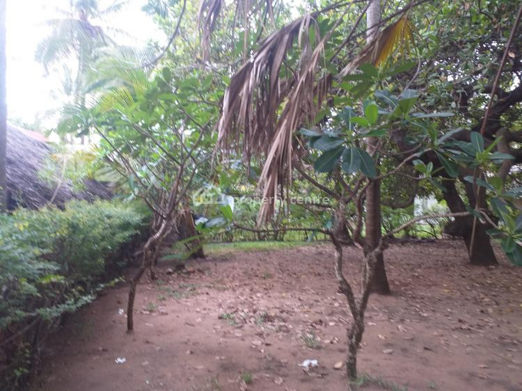 Two Bedroom House with Coconut Trees., Diani Beach Road, Ukunda, Kwale, Detached Bungalow for Sale