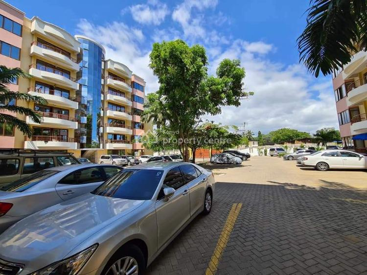 Magnificent 3 Bedroom Apartment with Swimming Pool and Servant Quarter, Simba Road, Nyali, Mombasa, Apartment for Rent