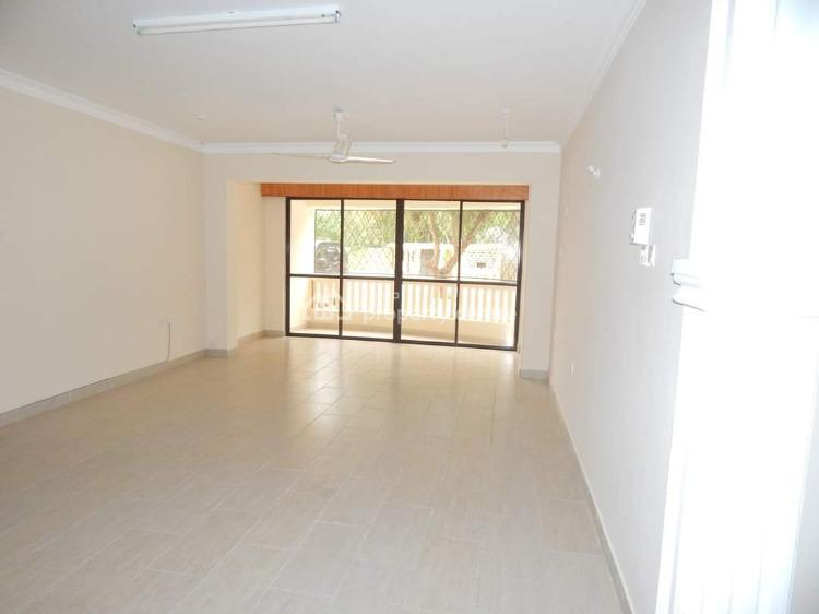 Modern Executive Spacious 3 Bedroom Apartment with Swimming Pool, Bungalows Road, Nyali, Mombasa, Apartment for Rent
