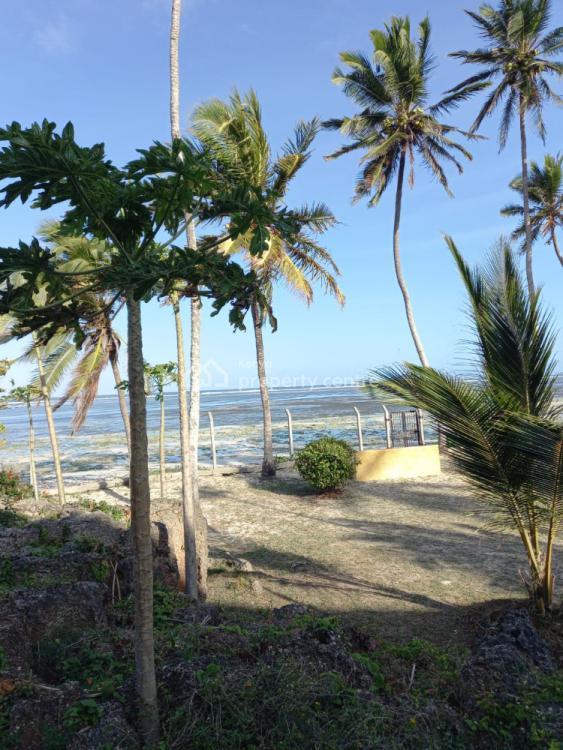 Bedrooms Beach Villa on 3-acre Beach Land with Sandy Beach, Malindi Road, Mtwapa, Kilifi, Townhouse for Sale
