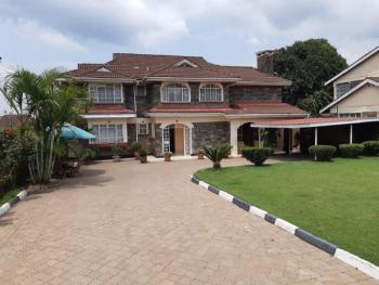 a 5 Bedrooms House, 3 En-suite with Dsq, Section 58, Nakuru East, Nakuru, Townhouse for Sale