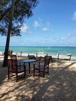 Lovely 2 Bedroom Fully Furnished Beach Side Apartment, Links Road, Nyali, Mombasa, Apartment for Rent